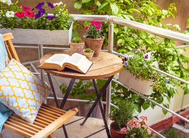 Yaz Yaklaşirken Balkonlarinizi Yaşam Alanina Dönüştürmeniz Için Öneriler